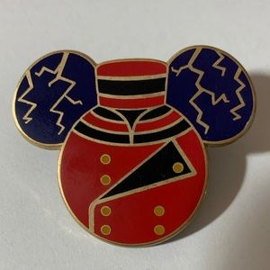 Disney Mickey Tower of Terror Head Pin